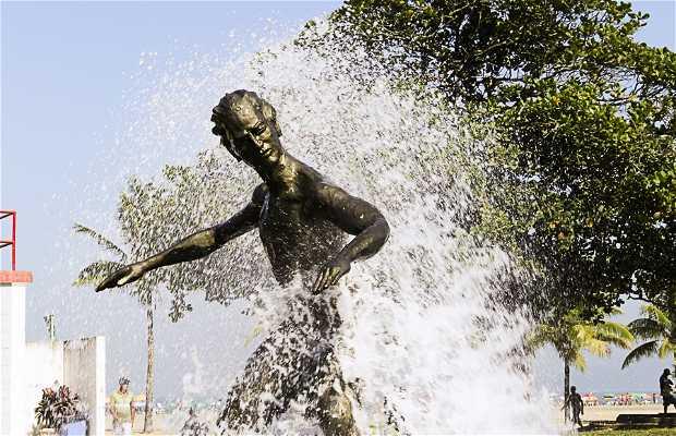 Monumento ao Surfista