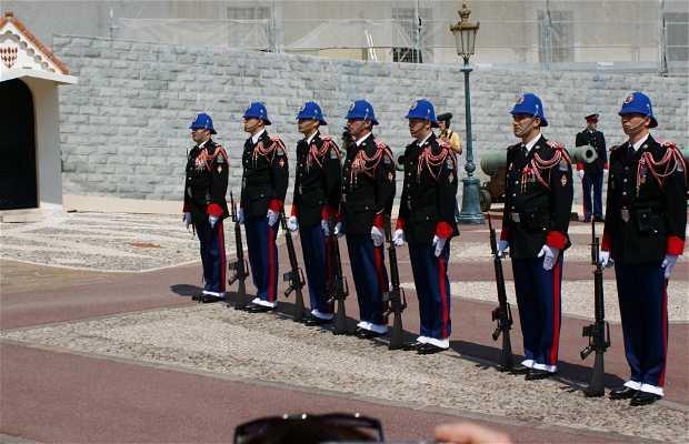 Cambio de Guardia en el Palacio