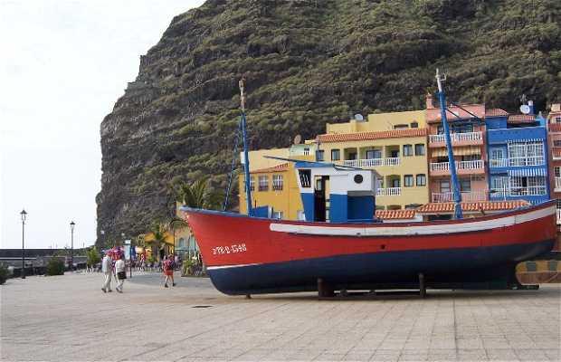 Tazacorte harbour Beach