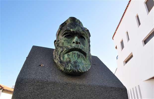 Monumento a Aurelio Cabrera Gallardo