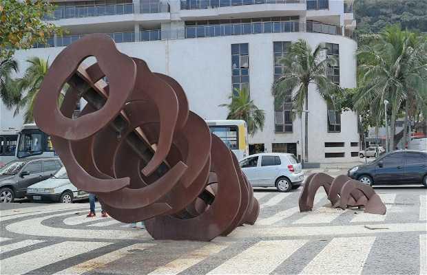 """Escultura """"A Baleia"""""""