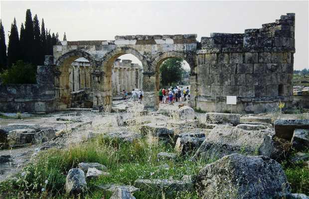 Porte de Domiciano