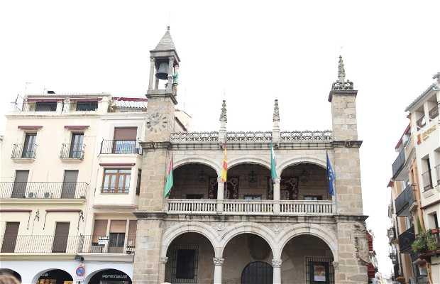 Plaza mayor y ayuntamiento de Plasencia