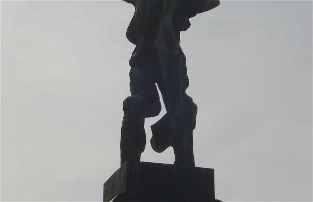 Sculpture La Victoria