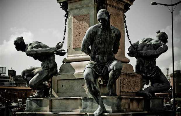 Estatua Quattro Mori