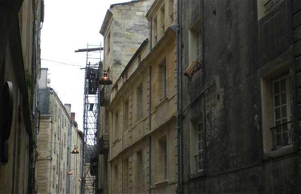 Calle Tour du Pin
