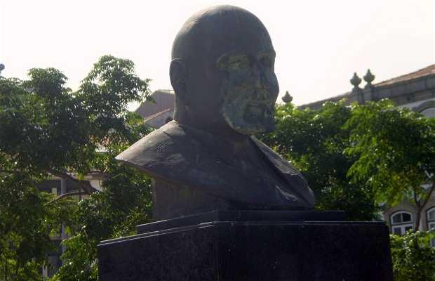Busto de Domingos Antunes de Azebedo