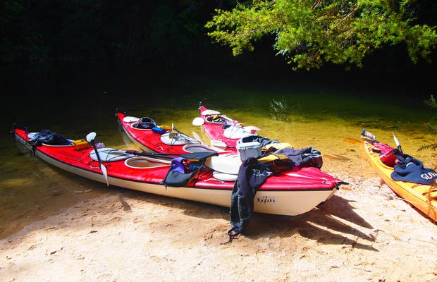 Kayak nel parco nazionale dell'Abel Tasman
