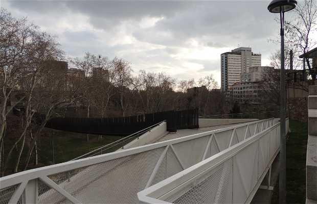 Valparadis Pendant Footbridge