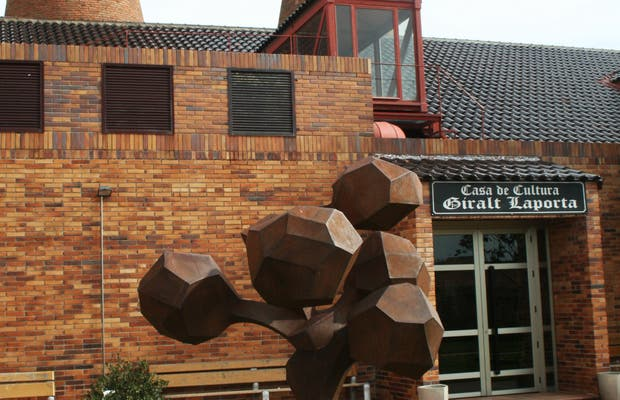Casa de la Cultura Giralt Laporta