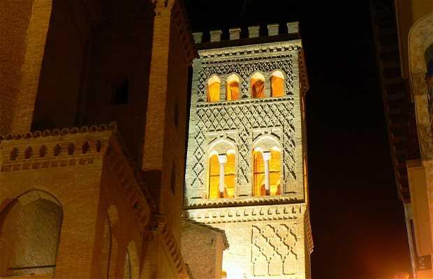 Promenade nocturne à Saragosse