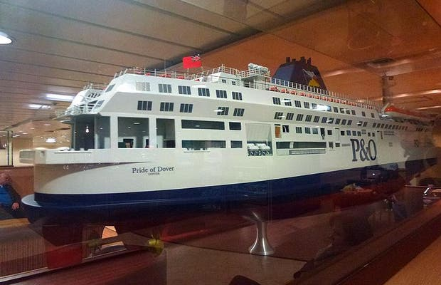 Travessia de ferry no Canal da Mancha | Dover - Calais