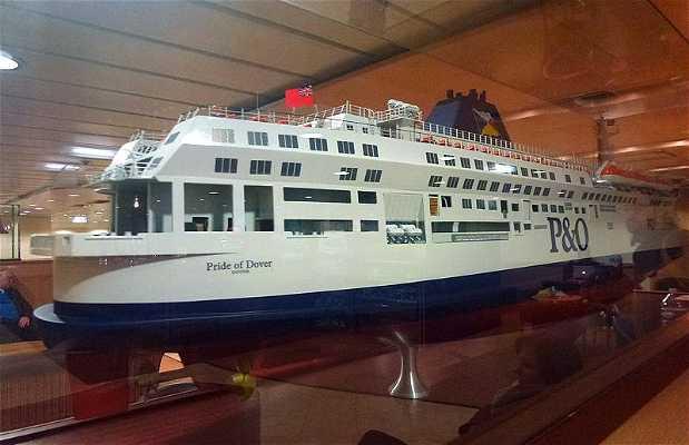 Travessia de ferry no Canal da Mancha