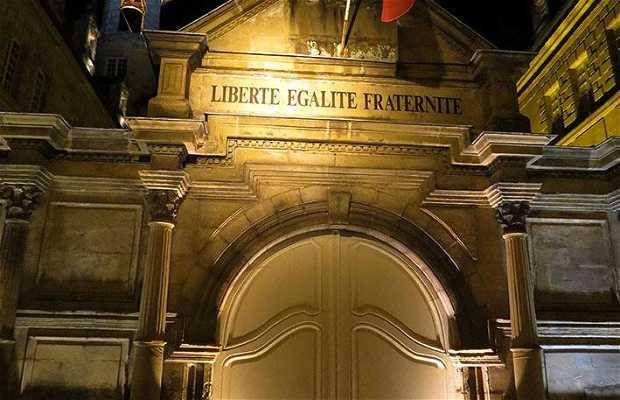 La Mairie de Brive la Gaillarde