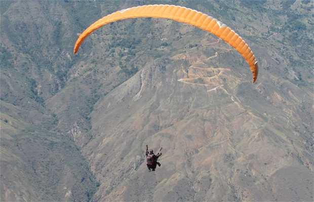 TU RESERVA Curití - Paragliding en el Cañón Chicamocha