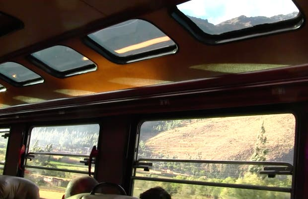 Tren panorámico a Machu Picchu