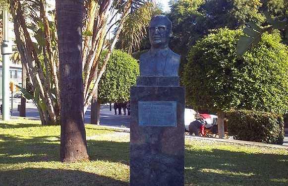 Estatua de Francisco Garcia Grana