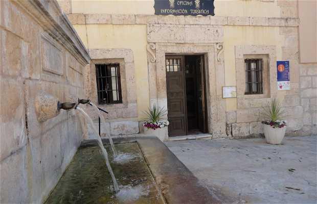 Real Cárcel de Carlos III Y Oficina de Turismo