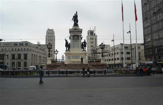 Estatua Arturo Prat