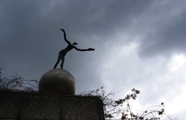 Le Somnambule à Paris - Estatua