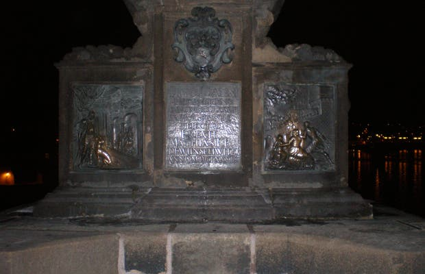 Statua San Giovanni Nepomuceno a Praga
