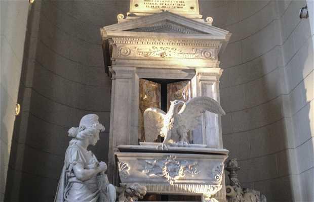 Cenotafio de Francisco de Miranda