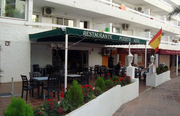 Restaurante. Puerto Azul.