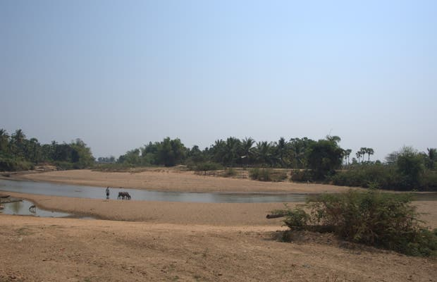 Road from Pursat to the Tonle Sap