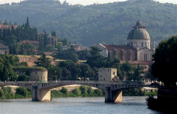 Río Adige a su paso por Verona