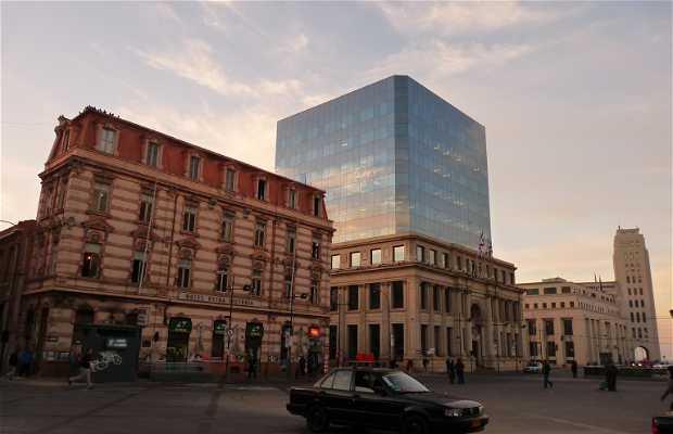 Plaza Sotomayor y Monumento a Prat