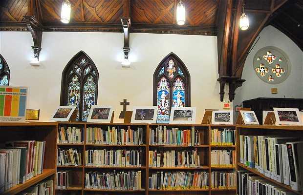 Biblioteca Saint-Jean-Baptiste e Igreja Saint Matthew