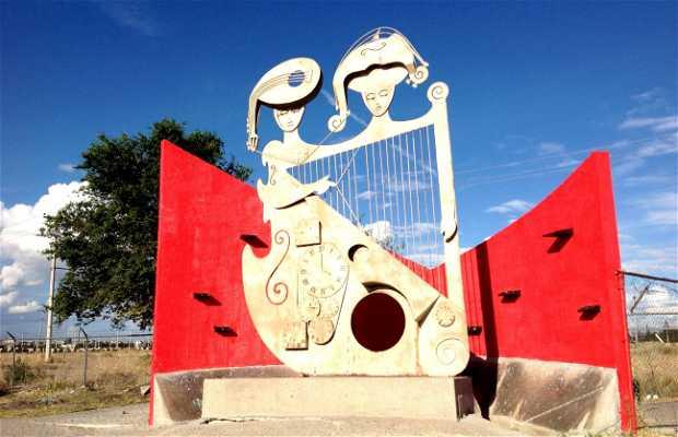 Escultura 'Ciudades Hermanas'