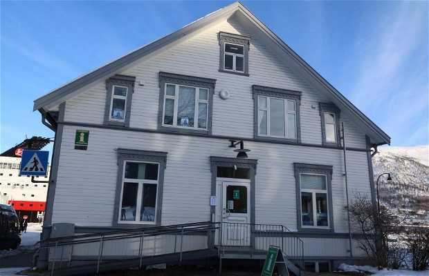 Oficina de turismo de tromso en tromso 2 opiniones y 4 fotos for Oficina de turismo de noruega