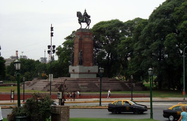 Monument to San Martín
