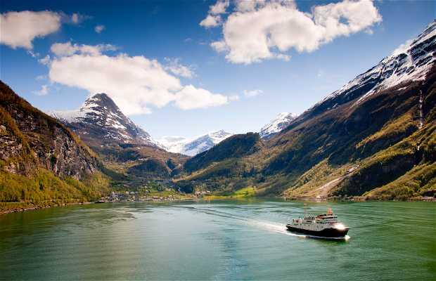 Fiordo Geirangerfjord in Norvegia