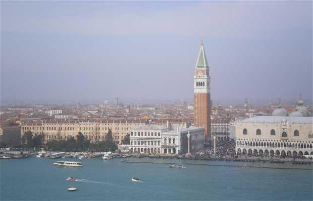 Vistas desde el campanario de San Giorgio en Venecia