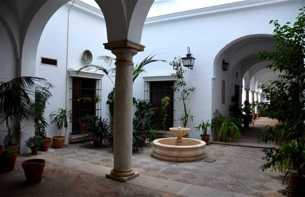 Patio andaluz junto al cabildo en sevilla 1 opiniones y 2 - Fotos patio andaluz ...