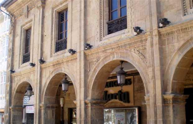 Palacio de Llano Ponte o Casa de García Pumarino