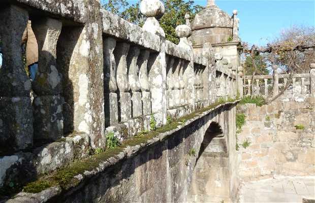 El puente de la plaza de Fefiñans