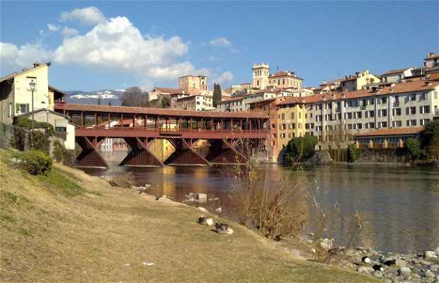 Puente de los Alpini