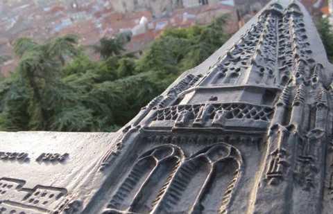 Vues depuis le château à la cathédrale de Burgos