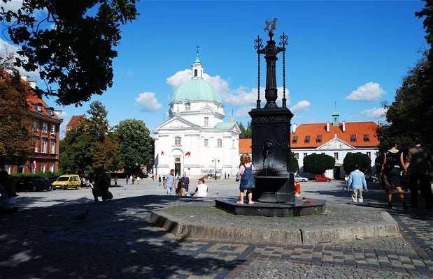 Plaza del Mercado de la Ciudad Nueva - Iglesia de San Casimiro