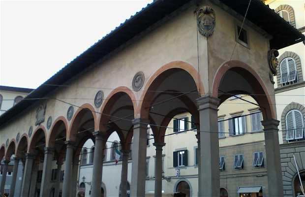 Piazza dei ciompi a firenze 1 opinioni e 4 foto for Piazza dei ciompi