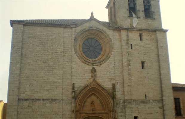 San Julián de Los Caballeros Church