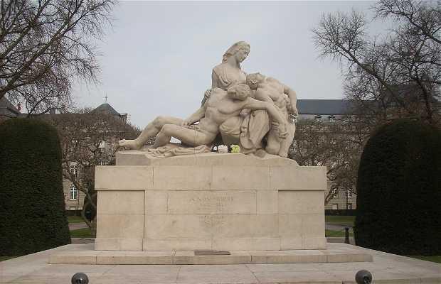 Monumento a los muertos Plaza de la République