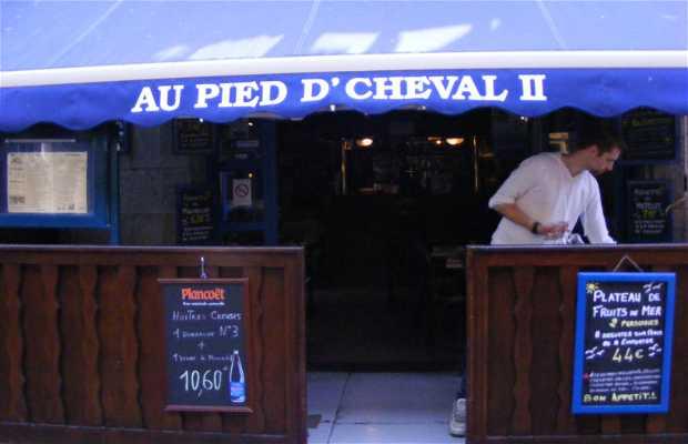 Au Pied d'Cheval II