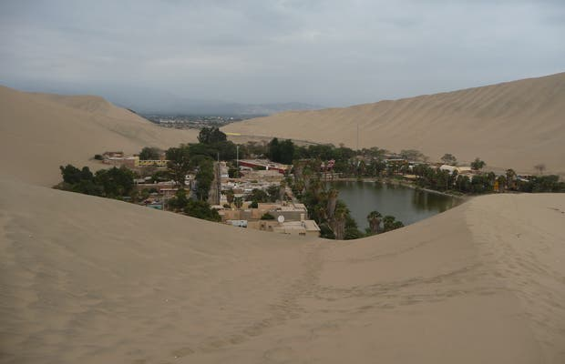 Huacachina Desert