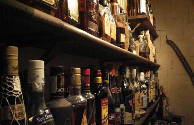 Cubaname - Museo del Ron - Coctelería Tropical