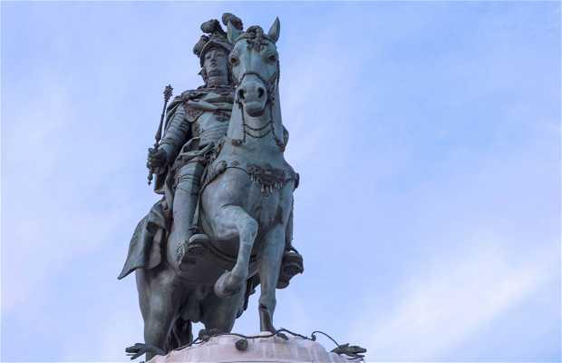Statue in Trade Square