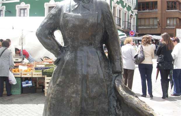Sculpture hommage aux vendeurs de Grado